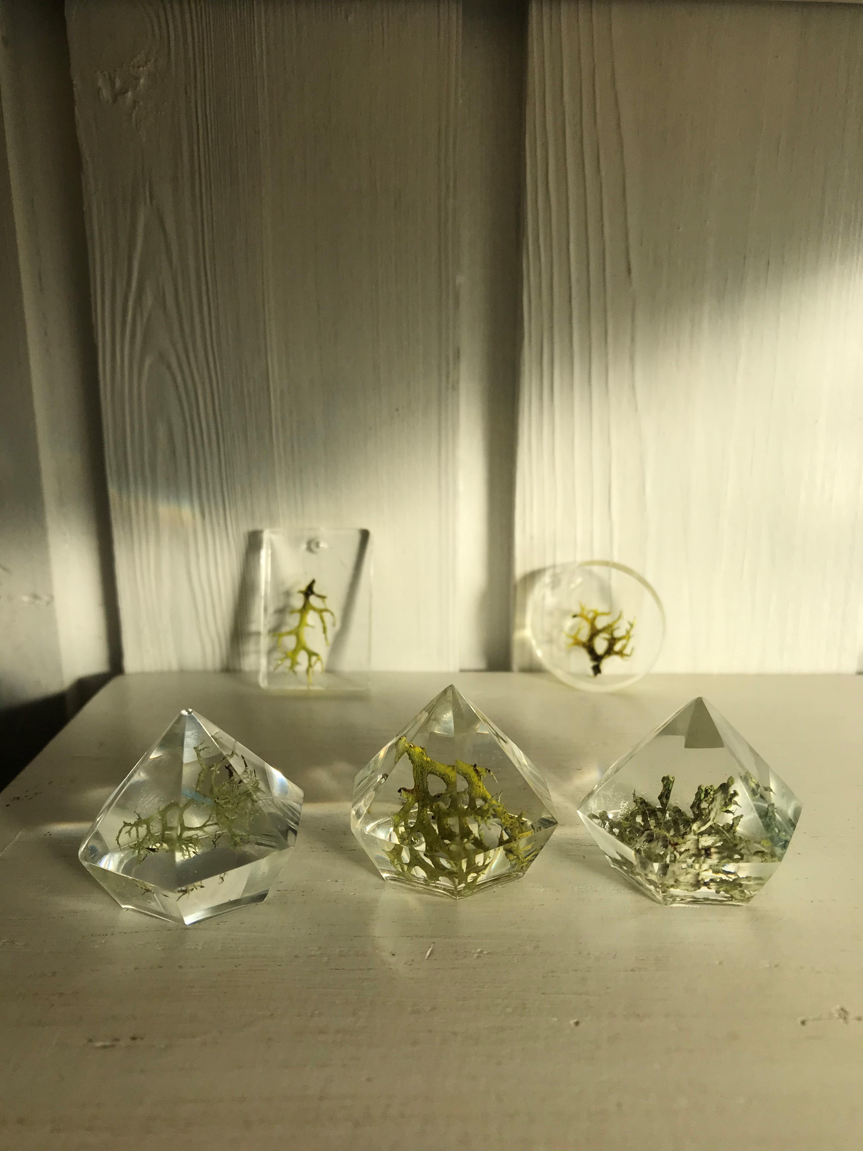 Design dine egne smykker og krystaller af resin